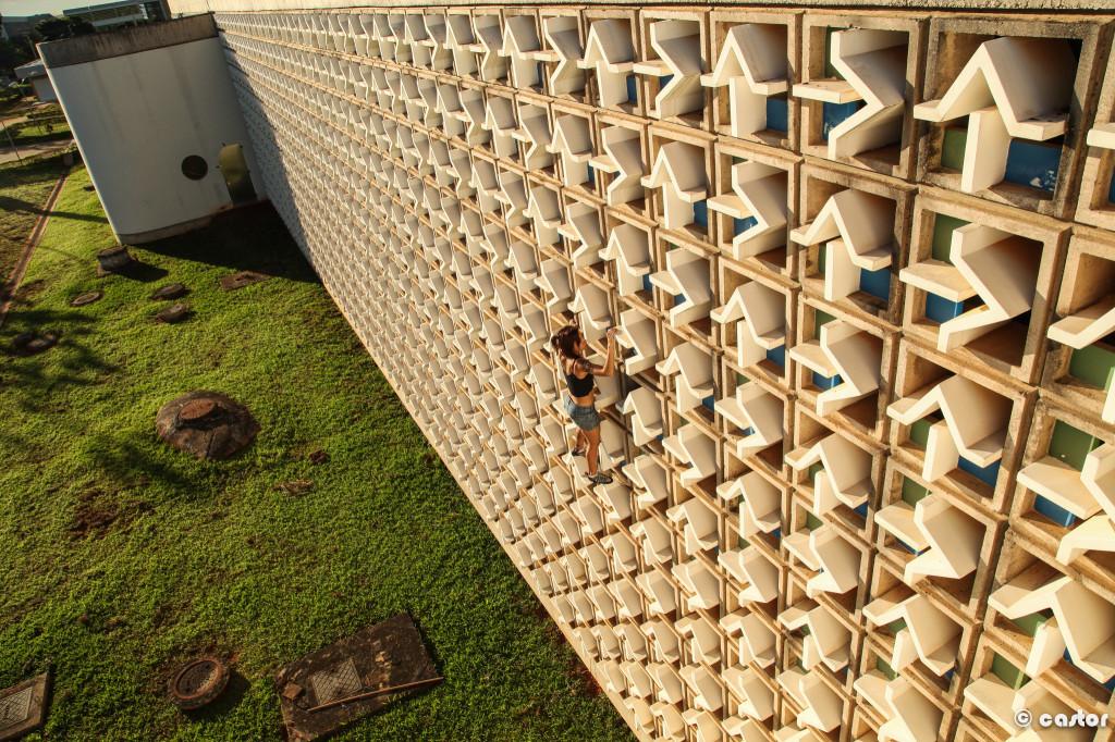 Buildering in Brasilia, Brazil www.TimetoClimb.com