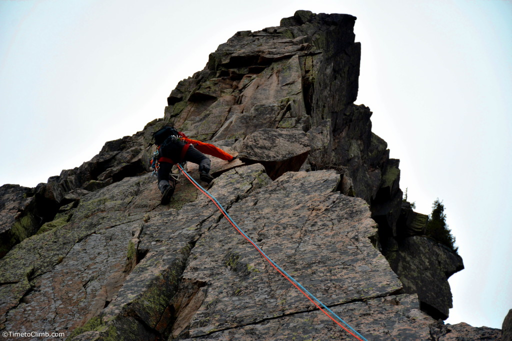 Ritter leading up the 3rd pitch of Whitney Gilman on Cannon Cliff in NH