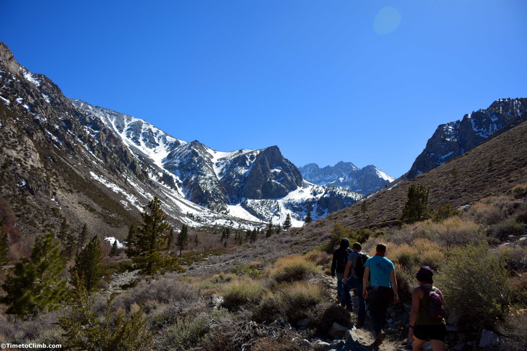 Hiking through the valley in Pine Creek