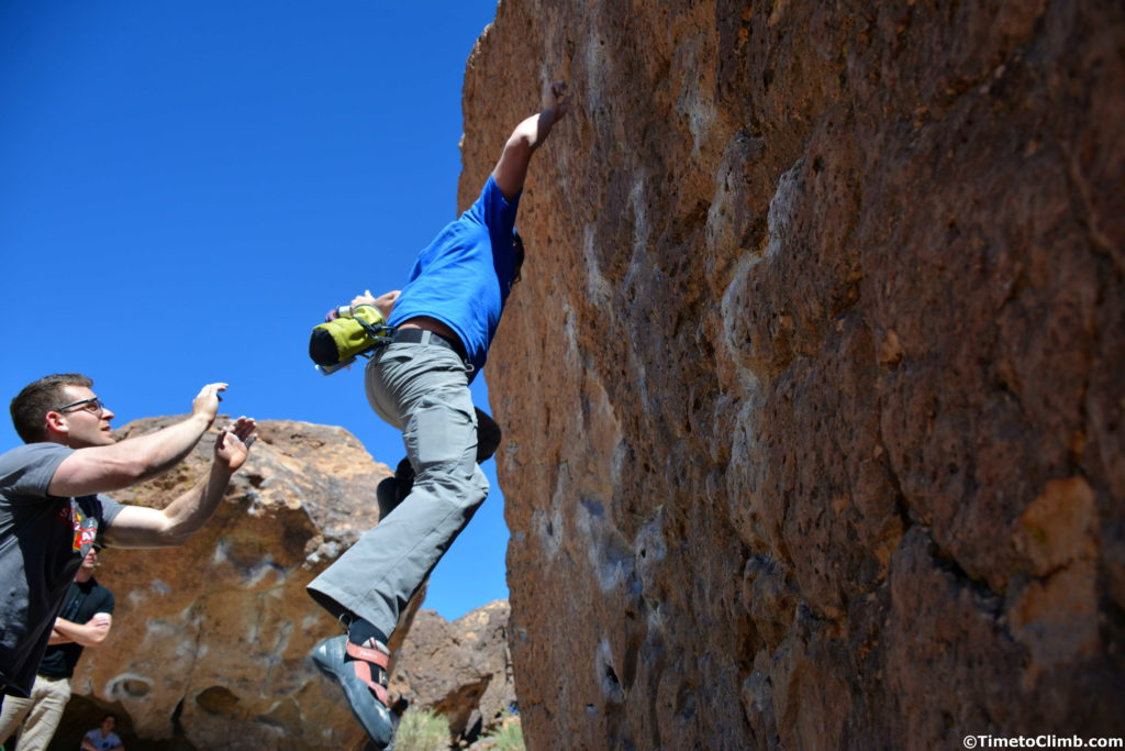 Melvin Rivera falling on Solarium V4 at the Happy Boulders in Bishop California