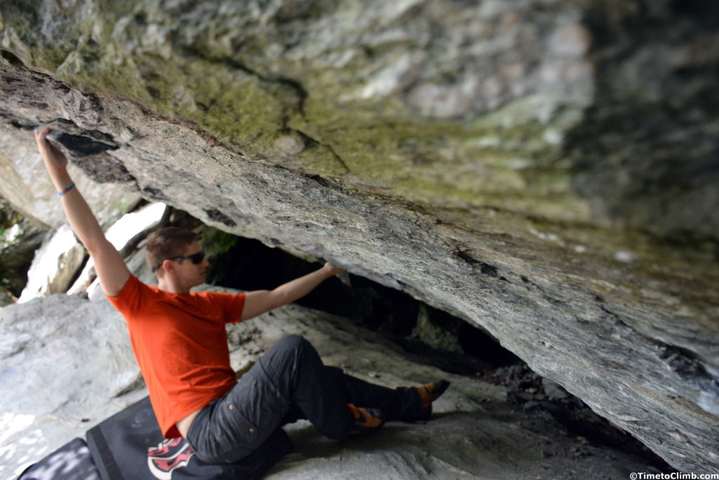 Andrew Messick projecting Filet of Finger V8 in Smuggler's Notch Vermont