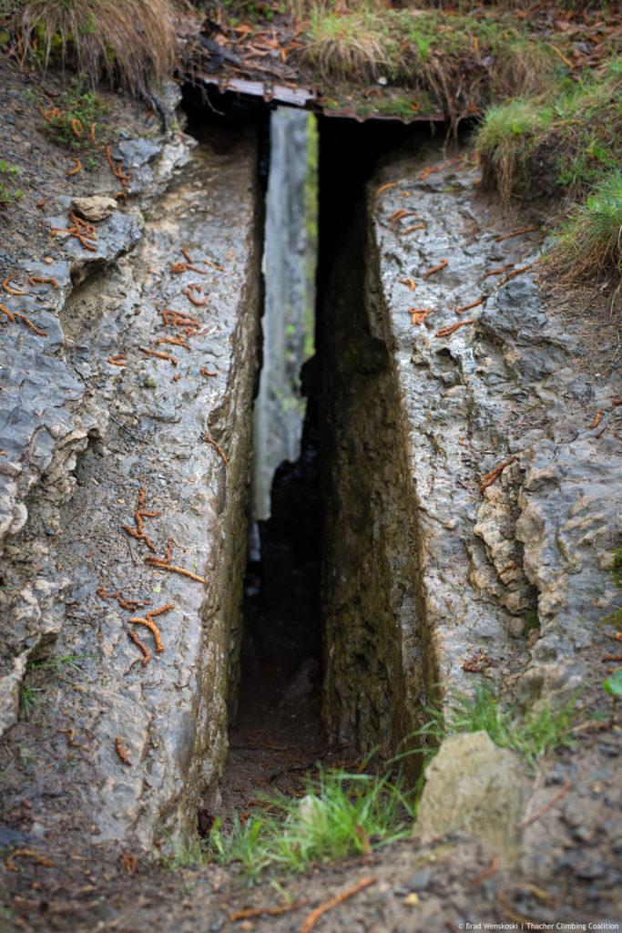 Helmus Crevice Climbing Thacher State Park