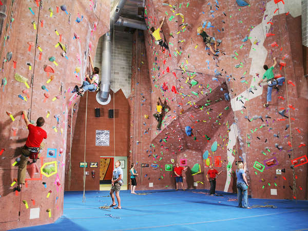 endurance training for ice climbing in the climbing gym