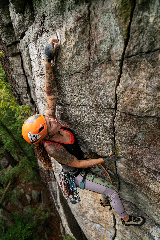 Alexis Krauss gunks climbing in Lost City
